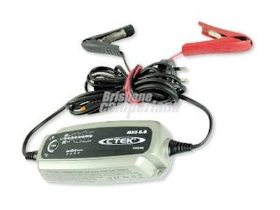 C-TEK 5 AMP BATTERY CHARGER